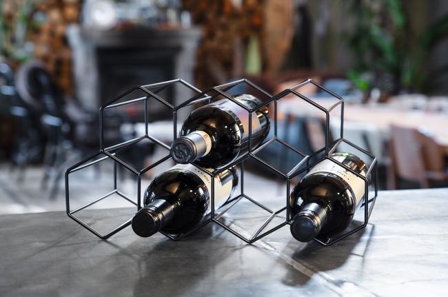 Casier à vin noir